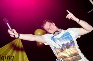 DJ Tjonie @ leiden 600 man